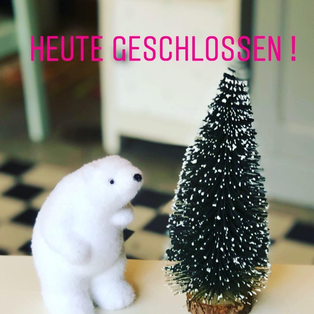 Wir haben heute geschlossen! Erst am Donnerstag und am Freitag ist nochmal geöffnet. Nächsten Samstag ist dann auch wieder geschlossen… und dann sind Weihnachtsferien bis zum 2.01.2019 🎄🎄🎄