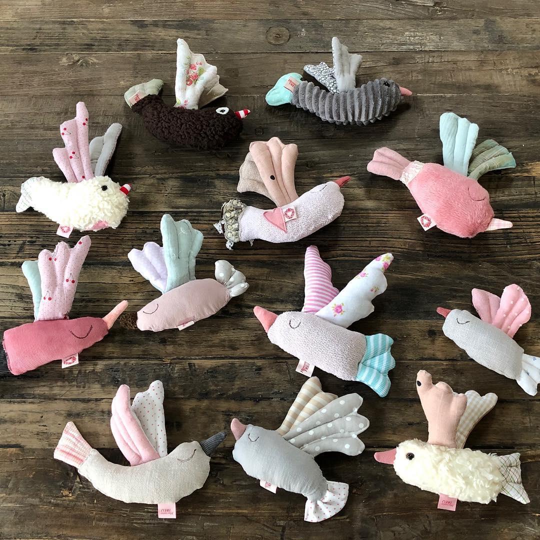 Alle #vögel sind schon da, der #frühling lässt allerdings noch auf sich warten. #rassel #babytoy #geburtsgeschenk #babybump #stofftiere #babyshower #bird #firsttoy #herzenstreu #soulmate #kids #kidstyle #softtoy #cutestuff #kidsstuff #düsseldorf #organiccotton #uniquegifts #handmade #handsewn