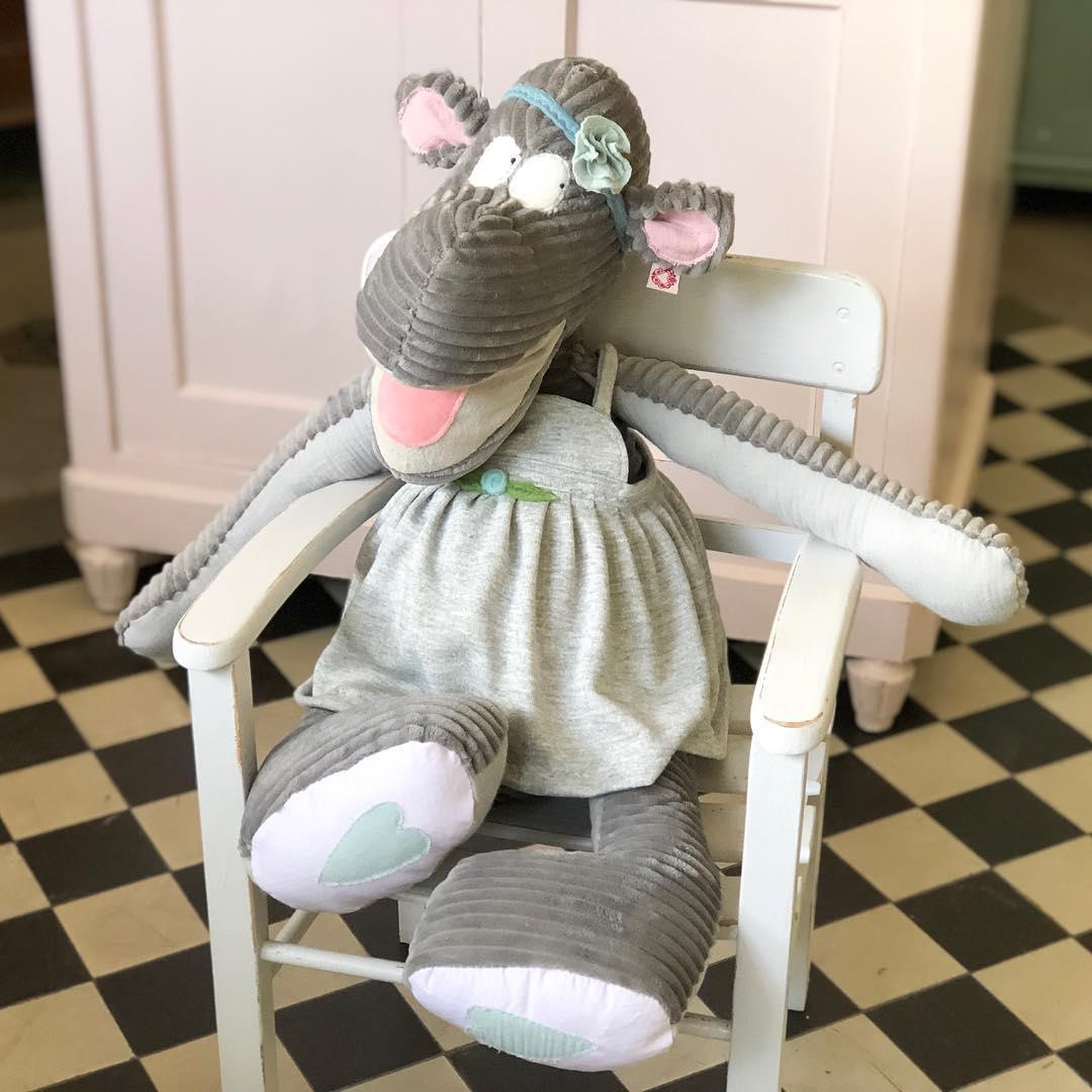 Unser Neuzugang ! #nilpferd #herzenstreu #uniquegifts #soulmate #stofftier #kuschelfreund #kuscheltier #cute #kidsstuff #softtoy #uniquekids #handsew #slowcraft #toy #cuteanimals