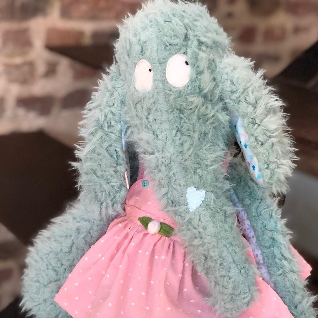 Zottel Elefantina , mit Ihrem #lieblingskleid 💘 #herzenstreu #soulmate #handmade #softtoy #kuscheltier #stofftier #elefant #cutestuff #kidsdecor #kidsplay #kidstoy #bestbuddies #babybump #babyroom #babyshower #uniquegift #düsseldorf