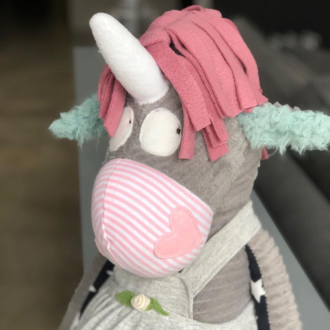 Die #einhorn #schönheit ist fertig 💕 #custommade #toys #unicorn #uniquetoys #handmade #softtoys #cute #kidsstuff #kuscheltier #stofftiere #könnendieseaugenlügen #herzenstreu #allesfürskinderzimmer