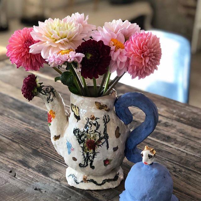 Wünsche Euch schöne #pfingsten ! Wir hatten heute einen herrlichen Tag am #baldeneysee #hausamsee , mit viel #sonne und lecker #currywurstpommes 😋#sundayvibes #sundayfunday #sundaymood☀️ #keinepfingstrosen #flowerstagram #flowersofinstagram #enjoythesun